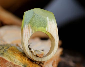 wood resin ring  wood ring statement ring Nature jewelry Nature ring fashion ring forest ring Wooden ring Unique Ring