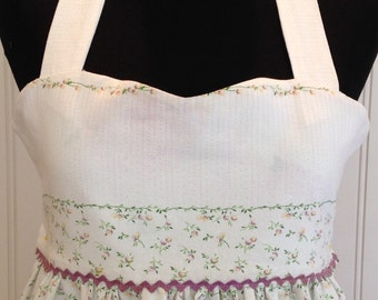 Vintage linens women's full apron lavender green purple ric rac trim lilacs on ruffled hem empire waist