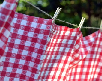Red & White Checkered Classic Picnic Vintage Tablecloth