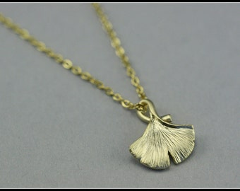 Ginkgo leaf necklace, gold ginkgo leaf necklace, charm pendant, jewelry gift, nature necklace, everyday jewelry