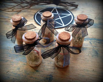 Vintage looking witch bottle //Protection bottle//Curiosities and oddities//Witchy//Occult
