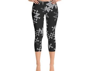 Printed Workout Capris - Triangle Leggings, Black and Gray Square and Triangle Pinwheel Design Printed Leggings, Yoga Pants