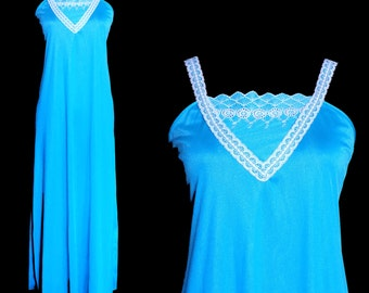 Vintage Turquoise Nightgown by Undercover Wear Size Medium, Night Gown