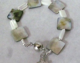 Square shell/ mother of pearl  bracelet