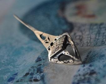 Rhombus earrings-Sterling silver-Antiqued earring-Ancient look-Hand sculpted-Chic earrings-jewelry