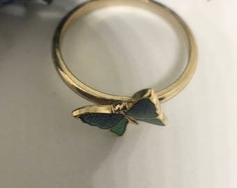 Avon Vintage Butterfly Ring - 1980s Butterfly gold tone ring.