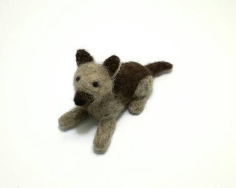 Pet portrait. Needle felted dog. Felt animal. Felted pet. Needle felt pet. Woolfelt dog. Wool animal. Soft sculpture dog.