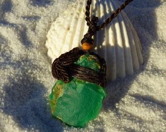 SALE Australia Mint Green Jade Chrysoprase macrame pendant/raw healing stone /Leaf peandant/love/spring/double side pendants/bohemian