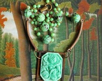 Green rose necklace, jade glass, Czech glass, green lampwork beads, vintage brass, vintage assemblage, handmade in France, chez Sylvie/083