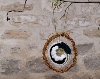 Natural circular weaving