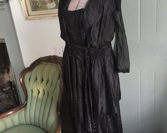 1900's early 1910's Edwardian black silk layered evening gown