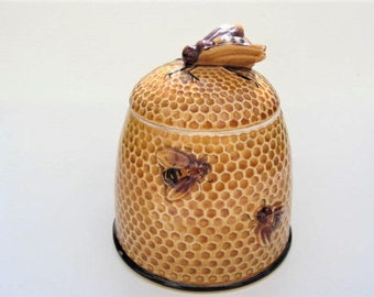 Pretty Vintage Beehive shaped Ceramic Honeypot