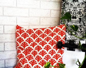 Pillow | 40 x 40 | Red | -hand printed unique