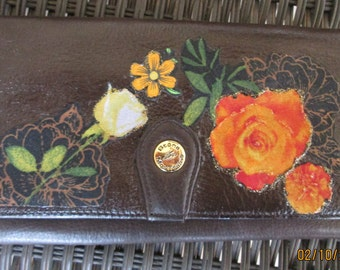 Stone Mountain decorated brown leather wallet
