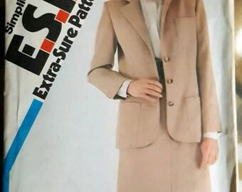 1982 Simplicity  5692 Misses Skirt Suit Sizes 12-16 Uncut FF Sewing Pattern ReTrO Office!