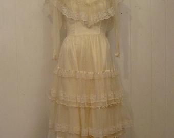 Vintage dress, Prairie dress, lace dress, Gunne Sax, vintage clothing, Small
