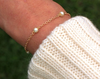Delicate Pearl Bracelet   gold chain bracelet, dainty bracelet   Layering Friendship Bracelet, Bridesmaid Gift, Dainty Bracelet