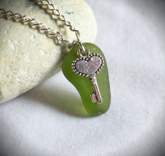 Key Pendant, Seaglass Necklace, Keys to Heart, Love Gift, Valentine's Jewelry, Sea Glass Jewellery, Beach Hearts, Lover's Gift - PC17029