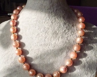 Pale pink pearlised vintage beaded necklace