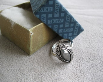 Avon Ring  Shadow Play with box free shipping in u s a