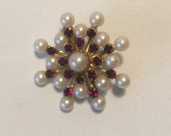 Beautiful Vintagebrosche, gold, red rhinestones, pearl