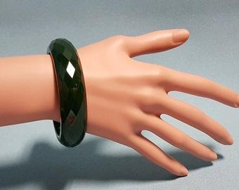 Bakelite Green Diamond Cut Bracelet