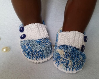 Crocheted booties baby moccasins type