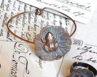 Bracelet Art Nouveau 19th century copper with a frog on a lily pad