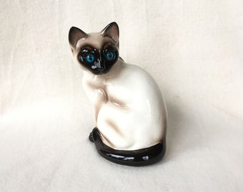 One of 3 vintage siamese cats, small siamese cat by Vaga international