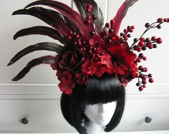 "Fantasy Headpiece ""Red Fairy"" Flower Feather Crown red Beeren Woodland Headdress Fotoshooting"