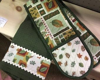 Tea Towel and Oven Mitt