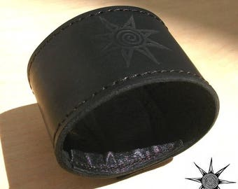 HANDCRAFTED leather BRACELET CUFF MMF Canapart with secret pocket inside!