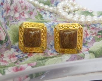 Vintage Gold and Brown Clip On Earrings
