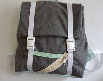 Backpack in grey felt