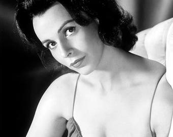 CLAIRE BLOOM PHOTO #2
