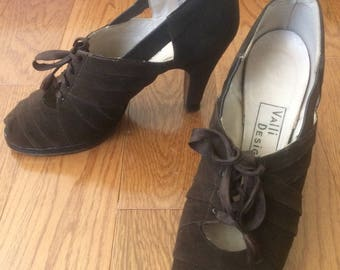 1940s Brown Suede High Heel Oxfords