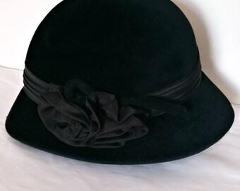 Vintage BlackBermona Cloche Hat 70s Elegant, 1970s England British, Felt Soft, English Made, Embellished Cute