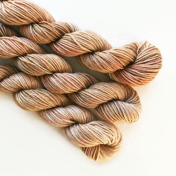 cappuccino / hand dyed yarn / mini skein / sock fingering yarn / merino wool superwash / sock mini / embroidery / light brown beige yarn