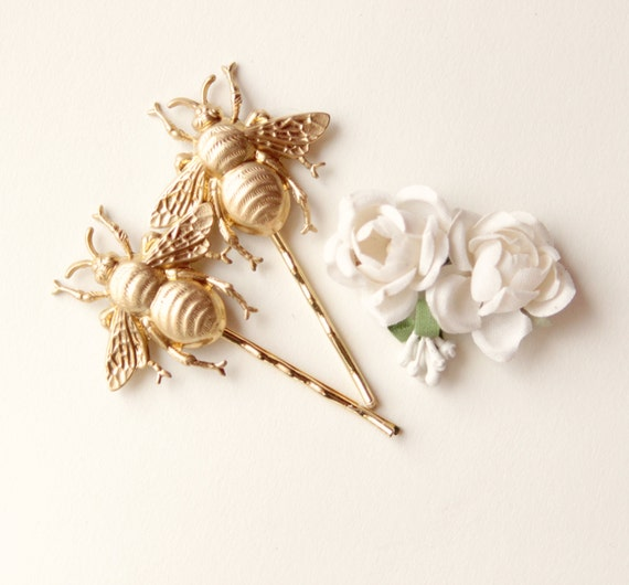 Bee hair pin pair, Golden bees clip set, Festival summer hair clips, Bee clips, Gold bobby pin gift set, swarm of bees - LARGE (set of 2)