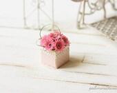 Dollhouse miniature gerbera daisies in 1/12 scale