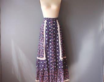 vintage 70s prairie skirt / calico print boho maxi skirt / blue floral hippie skirt