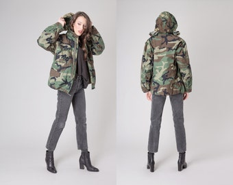 ARMY JACKET camo vintage camouflage Excellent Condition winter fall Small / Extra small women men Coats / better Stay together