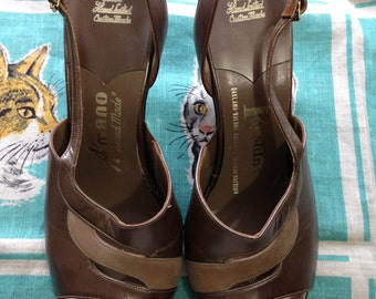 Vintage 1960's shimmering bronze A'Mano Kushins Magic Last sandals 8M