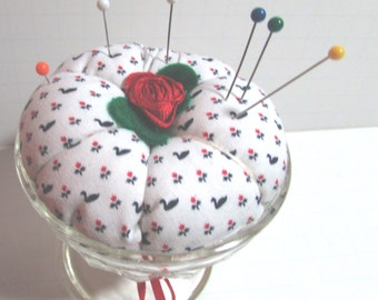 Ice cream cup Pin Cushion, Country print, Pin Keep, pincushion, pin holder
