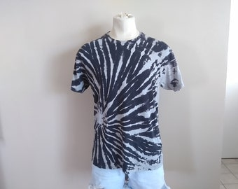 LARGE  Reverse Tie Dye Spiral T-shirt. Unisex L black and white, discharge, bleached, grunge shirt