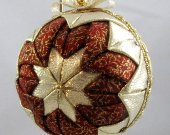 Quilted Chrismas Ornament - Maroon and Gold 104