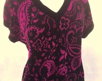 Vintage BLACK And MAGENTA Floral Paisley Shirt / Womens Large Knit V Neck Top