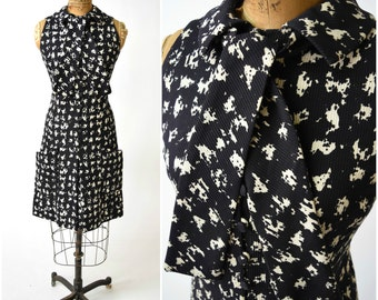 60s Geoffrey Beene Black & White Printed Shift Dress w Accent Neck Ties // Chic, Classic Mod Style // Timeless Designer Vintage