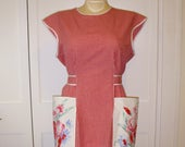 Midcentury Style Cobbler Apron, Size M, Red Gingham & Vintage Tablecloth Pockets