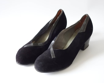 Black suede leather pumps | 1940's by Cubevintage | size 5 1/2 & 6 1/2